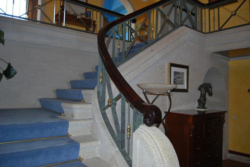 Escaleras exteriores escalera exterior escalera de ideal for Escaleras caracol sodimac